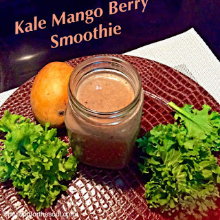 Kale Mango Berry Smoothie