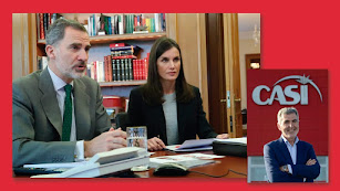 Los reyes Felipe y Letizia y Miguel Vargas, en una imagen del perfil de CASI en Facebook.