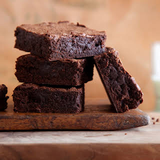 "High Protein, Low Carb Healthy ""Brownie"" Dessert."