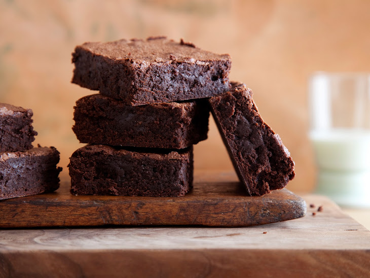 """High Protein, Low Carb Healthy """"Brownie"""" Dessert Recipe"""