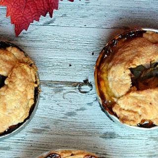 Mini Apple Pies with Cheddar Crust #AppleWeek