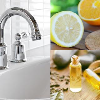 Homemade Bathroom Cleaner with Tea Tree Oil & Sweet Orange.