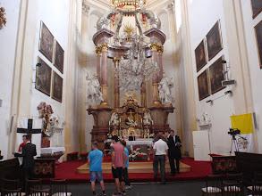 Photo: Oltářní prostor v konkatedrále Nanebevzetí Panny Marie v Opavě...přípravy...