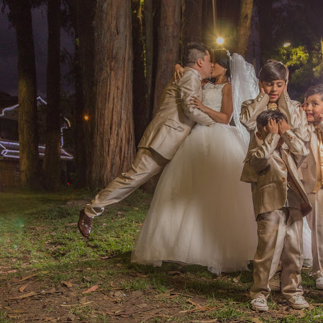 Wedding photographer Henry Unigarro (HenryUnigarro). Photo of 14.02.2018