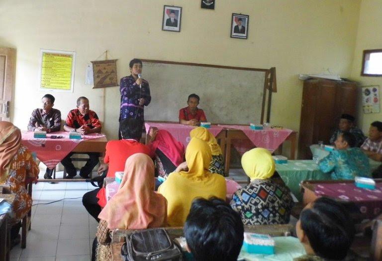 Sehari Setelah Kejadian Memilukan, Komisi 2 DPRD Ngawi Temui Wali Murid Dan Guru