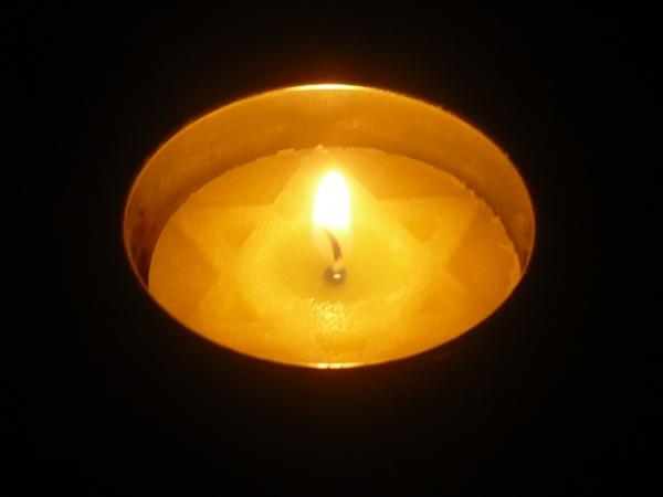 Yom Hashoah candle