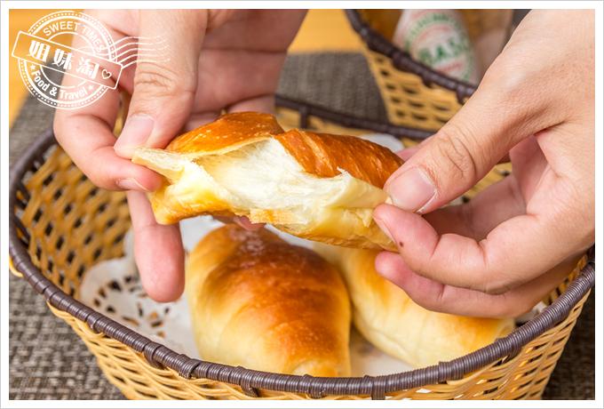菲.Ra Ra義式餐酒館套餐麵包2