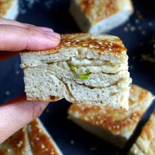 Spring Onion Flatbread, Leavened (葱油发面饼).