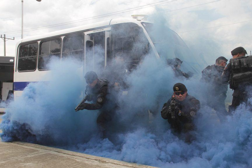 Colombian police take part in a training exercise.