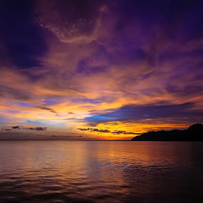 Nature's Lightshow by Michael Tan - Landscapes Sunsets & Sunrises ( clouds, sunset, sea, malaysia, langkawi, skies )