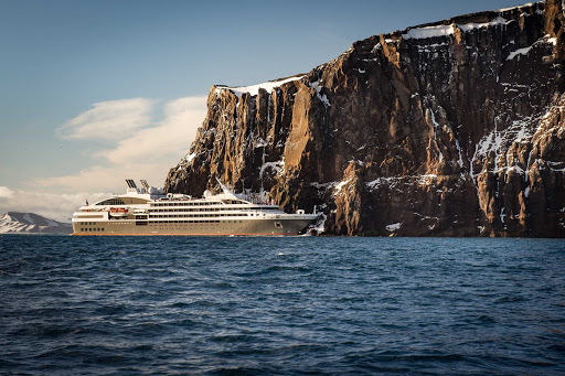 Ponant-Argentina-cliffs-snow.jpg - Sail from Argentina to Antarctice on Ponant's luxury expedition ship Le Lyrial.