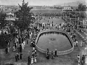 Photo: PROMOCION PERIODICO  LA BARCELONA D' AHIR LA CIUTAT DESAPAREGUDA  FOTOS ANTIGUAS HISTORICAS El Turó Park original (principis del segle XX)L'actual Turó Park, molt més petit i dissenyat Nicolau Maria Rubió i Tudurí, es va inaugurar el 1934.
