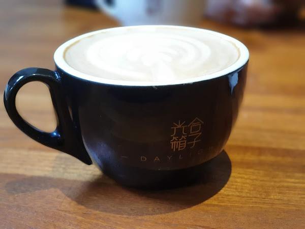 很悠閒享受餐點跟咖啡!