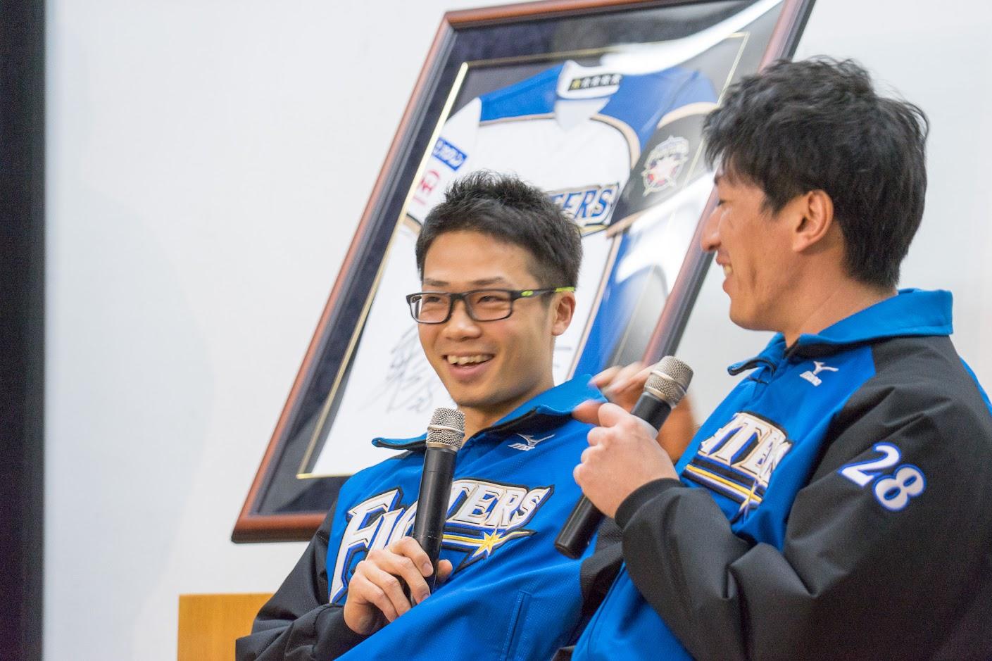笑顔溢れる両選手