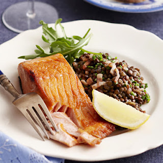 Crispy Salmon Fillets on Braised Lentils.