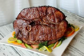 Whole Ham Glazed With Red Wine and Spices
