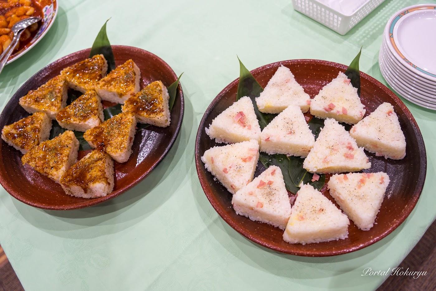 「ベーコンチーズ」金打舞菜 様(右)、「お好みやき風やきおむすび」村上潤成 様(左)