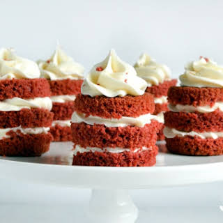 Easy Mini Red Velvet Cakes.