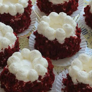 Red Velvet Baby Cakes.