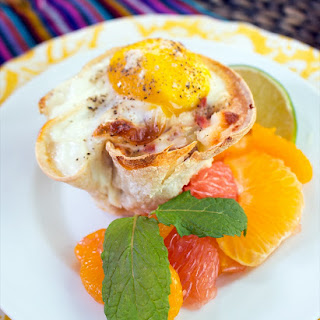 EASY SUMMER BRUNCH WITH HUEVOS RANCHEROS CUPS AND CITRUS SALAD