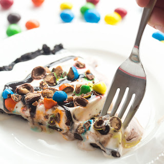 Frozen Ice Cream Dessert Pizza (Treatzza Pizza!)