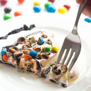 Frozen Ice Cream Dessert Pizza (Treatzza Pizza!).