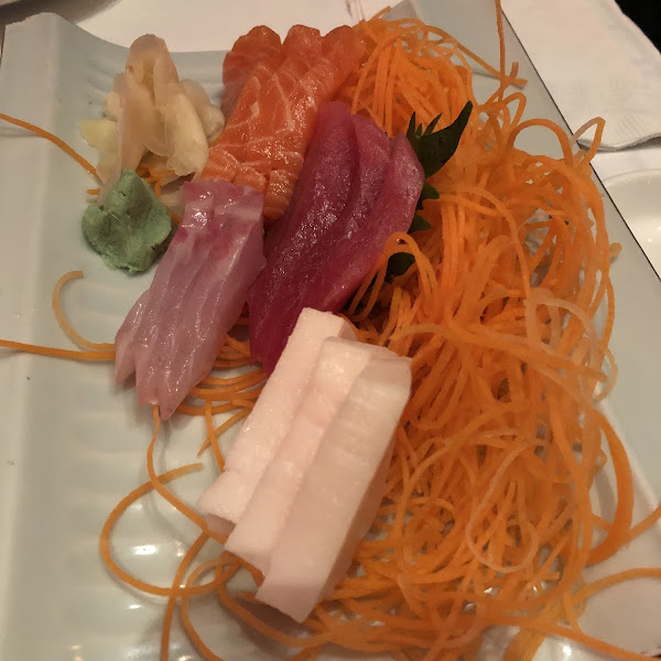 Sashimi appetizer, they brought out GF soy sauce
