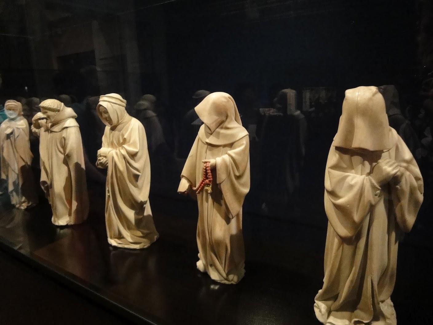 Les Pleurants du Tombeau de Philippe Le Hardi au Musée des Beaux-Arts à Dijon