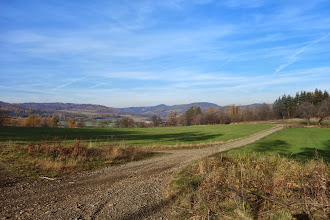 Photo: Hůrka (Tři kaštany), sjíždíme z Ježnického lesa do Hošťálkov