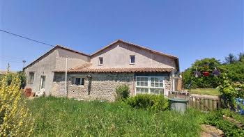 maison à Sauzé-Vaussais (79)