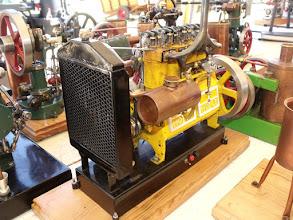 Photo: Un 4 cylindres Holz