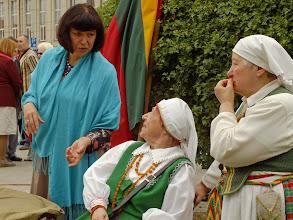 Photo: Aktorė Kristina Kazakevičiūtė. Kanklininkės Liongina Staniulienė ir Romualda Montvilienė.