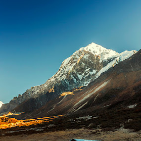 Thangsing - Trekkers Hut by Mrigankamouli Bhattacharjee - Landscapes Mountains & Hills ( mountain, trekkers hut, thangsing, india, pandim, trek, sikkim )