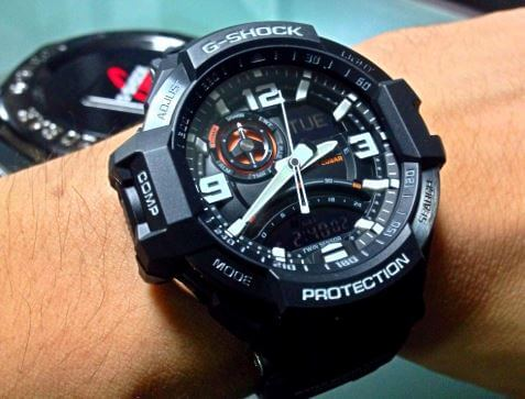 Thiết kế đồng hồ casio g-shock ga-1000-1a táo bạo, đa chức năng