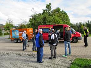 Photo: ... und erwarten uns bereits am Ziel in Buchenberg.