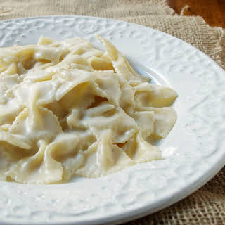 Easy Cheese Sauce One Pan Pasta.