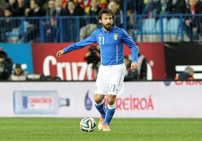 Andrea Pirlo met een prachtige assist voor David Villa