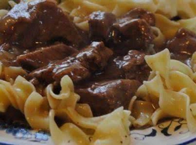 Slow Cook Beef Tips & Gravy