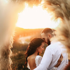 Wedding photographer Darya Kirsanova (KIRSANOVADARYA). Photo of 19.10.2017