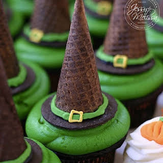 Witch Hat Mint Chocolate Cupcakes.