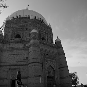 Tomb of Shah Rukan-e-Alam by Khawaja Hamza - Buildings & Architecture Public & Historical ( shah rukan-e-alam, multan, tomb, shrine )