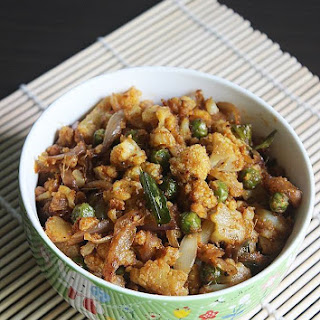 Gobi Kheema Recipe ( Minced Cauliflower with Almond Milk)
