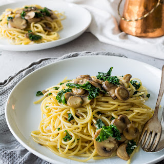 One Pot Kale, Mushroom and Garlic Spaghetti.