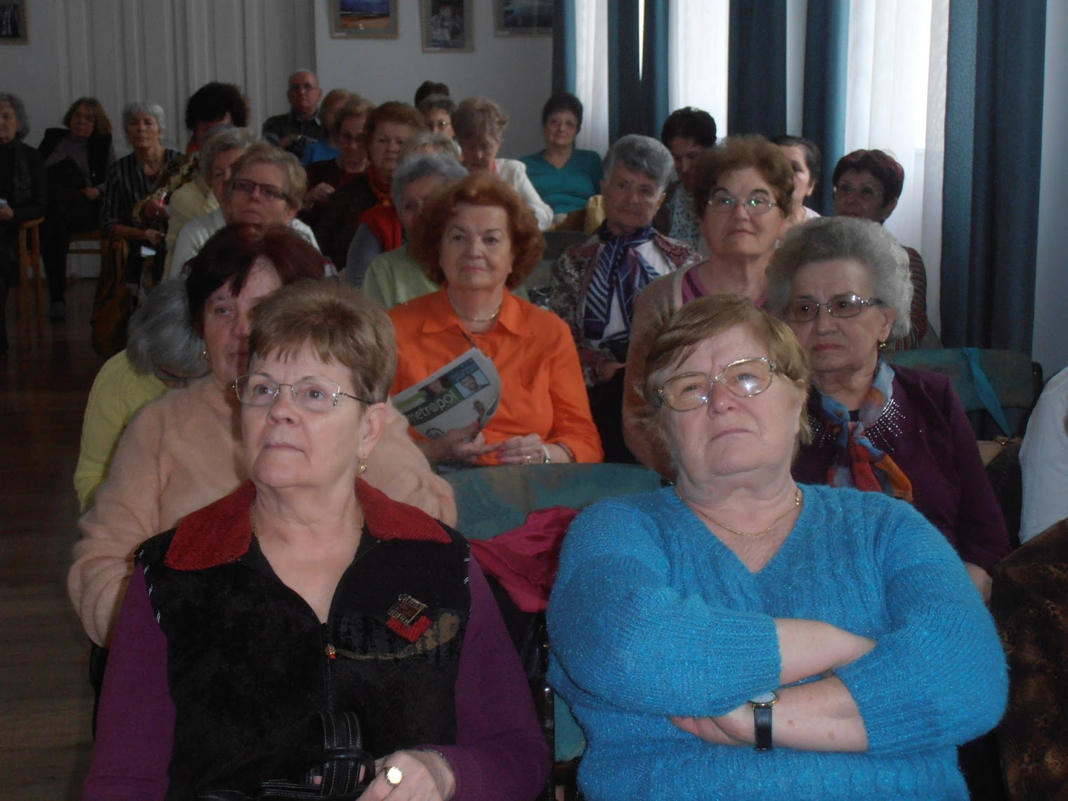 Érdeklődő közönség