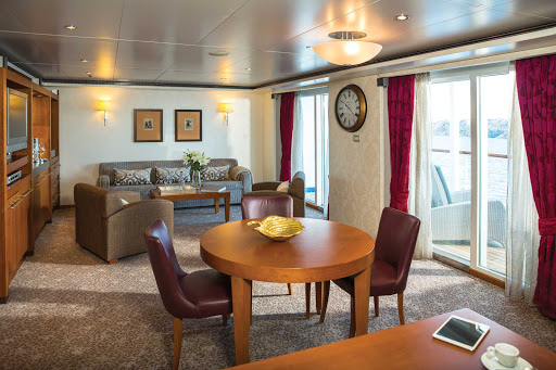 seven-seas-voyager-Grand-Suite.jpg - At 876 total square feet, the Grand Suite on Seven Seas Voyager features 1 1/2 marble bathrooms, a private balcony, spacious bedroom and expansive living room.