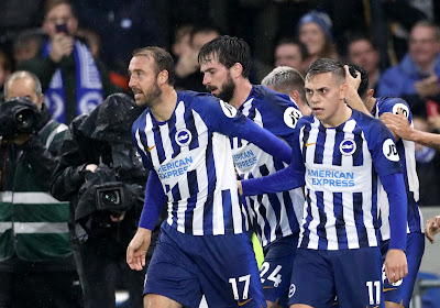 Leandro Trossard scoort het winnende doelpunt tegen Tottenham