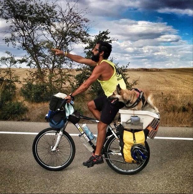 Pablo Calvo i Hippie, el equipo de Bikecanine