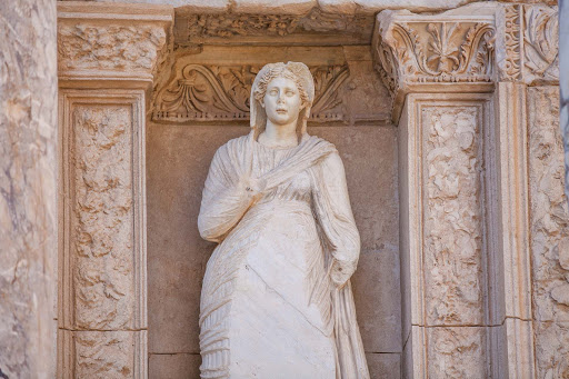 Library-of-Celsus-statue-redone.jpg - Four statues on the front side of the Library of Celsus depict Wisdom, Virtue, Intellect and Knowledge.