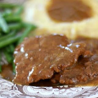 Crock Pot Cubed Steak with Gravy.