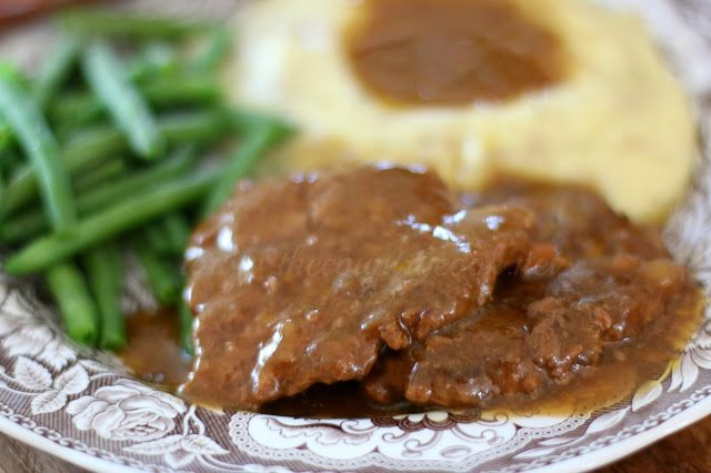 Crock Pot Cubed Steak with Gravy Recipe
